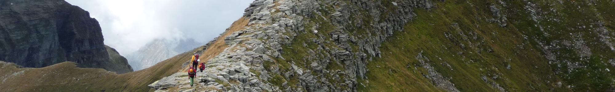 slide-trekking-01